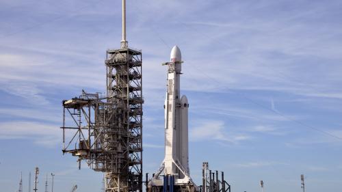"""DIRECT. Regardez le décollage de la fusée Falcon Heavy, dite """"la plus puissante au monde"""""""