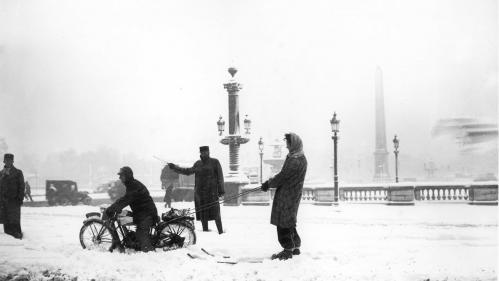 VIDEO. En 1947, quand la neige faisait sourire les Parisiens