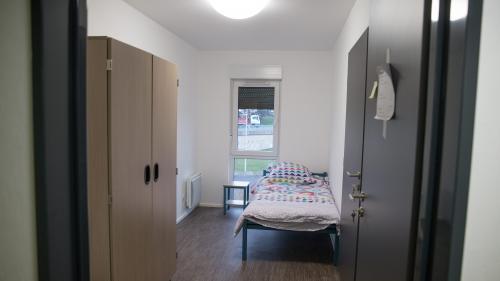 """Neige : 1 000 places d'hébergement supplémentaires """"ouvertes dès cette semaine"""" pour les sans-abri"""