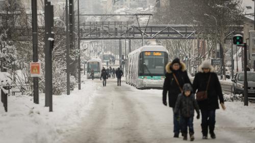 DIRECT. Météo : les transports scolaires suspendus vendredi dans plusieurs départements