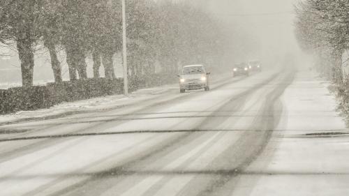 DIRECT. Météo : 23 départements en alerte orange en raison de la neige et du verglas
