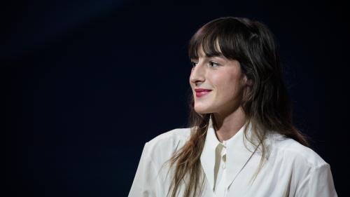 """Victoires de la musique : """"je préfère les avis tranchés"""", déclare la chanteuse Juliette Armanet"""