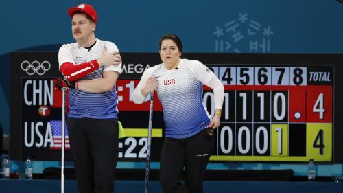 """Des patineurs en chute libre, du curling mixte, des """"œufs"""" olympiques... Ce qu'il ne fallait pas rater cette nuit à Pyeongchang"""