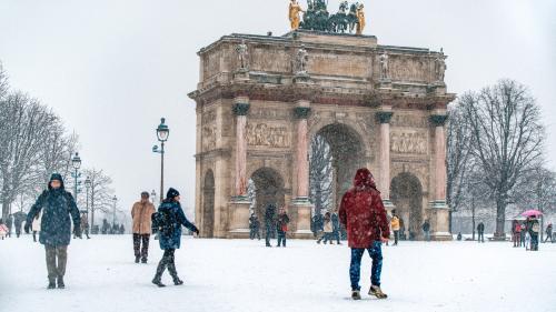 """DIRECT. Vague de froid : sept départements du centre et de l'est de la France placés en vigilance orange """"neige-verglas"""""""