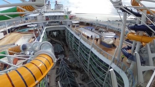 "Saint-Nazaire : visitez en 360° le ""Symphony of the Seas"", le nouveau plus grand paquebot du monde"