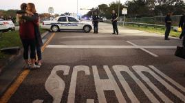 Etats-Unis : il détruit son arme après la fusillade en Floride