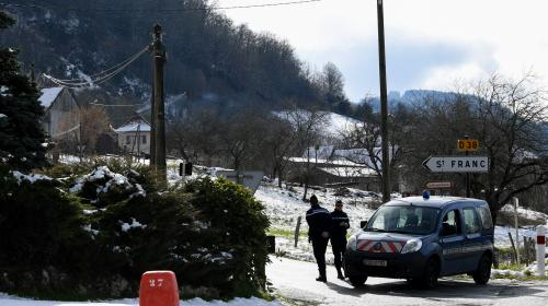 DIRECT. Affaire Maëlys : des gendarmes, des légistes et même des spécialistes des insectes étudient la scène du crime