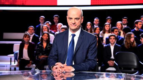 """VIDEO. """"J'en suis presque ému"""" : quand le ministre de l'Education nationale, Jean-Michel Blanquer, découvre sa popularité"""
