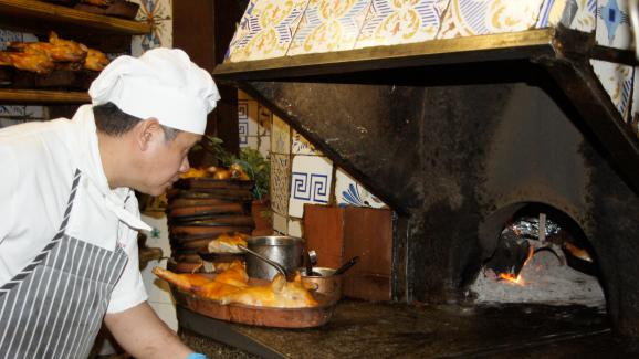 Le célèbre four, vieux de près de 300 ans, du restaurantBotín à Madrid.