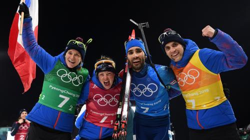 JO 2018 : le relais français remporte la médaille d'or dans l'épreuve mixte de biathlon, avec l'aide d'un grand Martin Fourcade