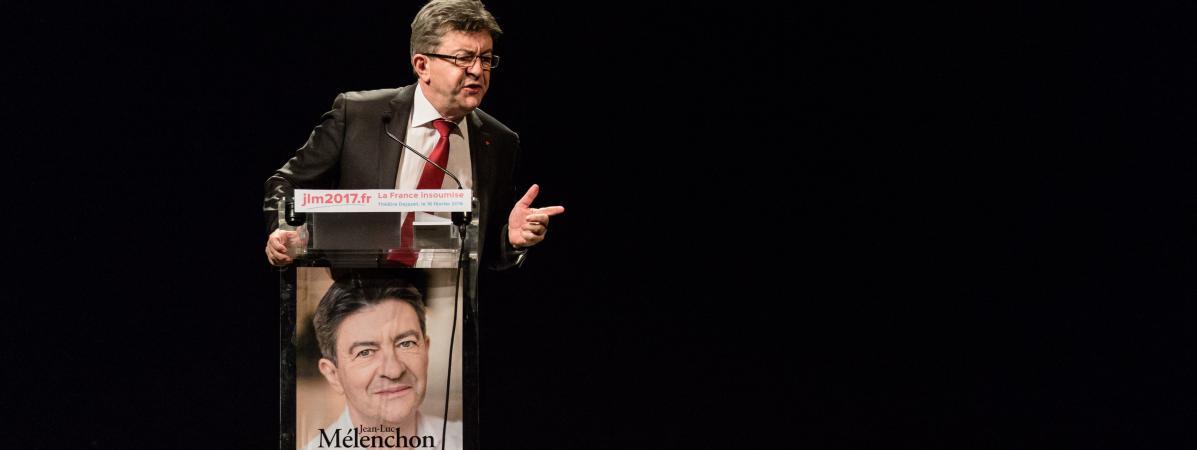 """Conférence publique et presentation du livre \""""L\'ère du peuple\"""", du nom de l\'association créée par Jean-Luc Mélenchon, leader du Front de Gauche, au théâtreJezabet, le 15 février 2016."""