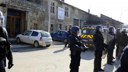 """""""C'était ultra violent"""" : un opposant raconte l'évacuation de la Maison de la résistance à Bure"""