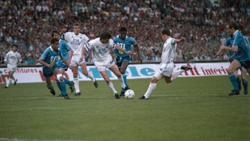 """RECIT FRANCEINFO. """"Ce feu s'est allumé en 1989"""" : le jour où le match OM-PSG a semé les graines du clasico"""