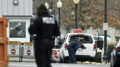 États-Unis : une femme interpellée après avoir foncé en voiture dans une barrière de la Maison Blanche