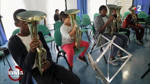 VIDEO. Education : quand l'apprentissage d'un instrument booste l'estime de soi des musiciens en herbe