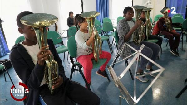VIDEO. Education : quand l'apprentissage d'un instrument booste l'estime de soi des musiciens en herbe
