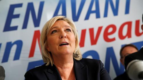 """Marine Le Pen juge """"honteux"""" les tweets racistes contre la jeune femme choisie pour incarner Jeanne d'Arc en 2018"""