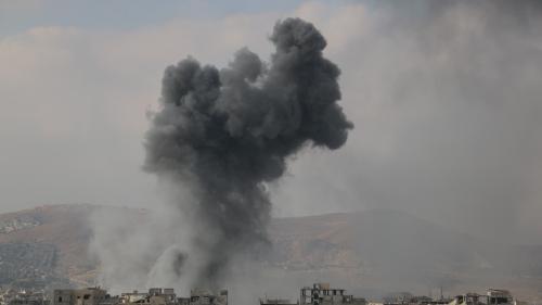 Syrie : les raids du régime sur la Ghouta reprennent malgré la résolution de l'ONU sur une trêve