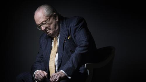 Céline Dion, nudité et punitions : huit anecdotes à retenir des Mémoires de Jean-Marie Le Pen