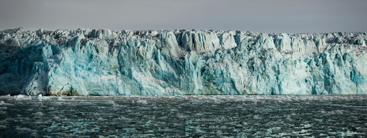 Le glacier de Lilliehook, sur l\'île Spitzberg, dans l\'archipel du Svalbard (Norvège), en 2017.
