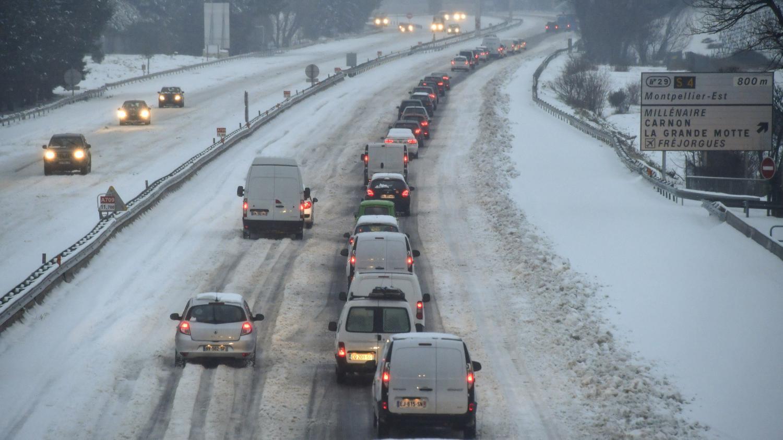 Vague de froid l 39 h rault plac en vigilance rouge neige et verglas 58 d partements en - La ren des neige ...