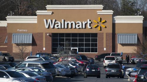 Aux Etats-Unis, la grande enseigne de distribution Walmart relève l'âge de vente des armes à 21 ans