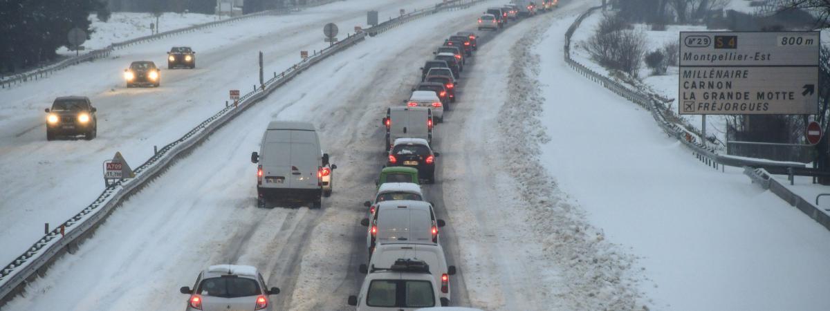 L\'autoroute A9, près de Montpellier (Hérault), après les chutes de neige, le 28 février 2018.