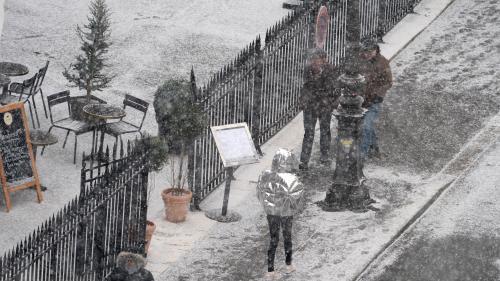 DIRECT. Neige et verglas : en Ile-de-France, la préfecture de police recommande aux automobilistes de ne pas utiliser leurs voitures et de privilégier les transports
