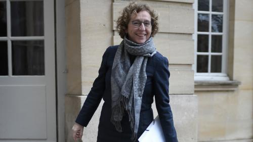 """""""Il y a encore des progrès à faire"""", reconnaît la ministre du Travail, interrogée sur le peu de femmes au sein du cabinet d'Emmanuel Macron"""