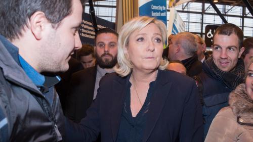 Marine Le Pen mise en examen pour la publication de photos d'exactions de l'Etat islamique sur Twitter