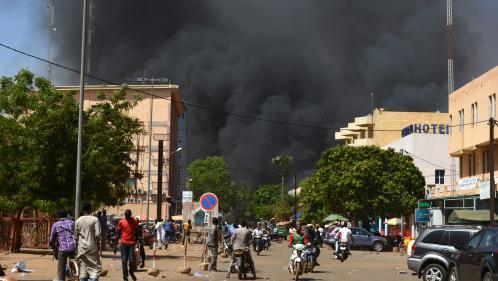 """Burkina Faso : la situation est """"sous contrôle"""" à l'ambassade de France, indique le ministère des Affaires étrangères. Suivez notre direct"""