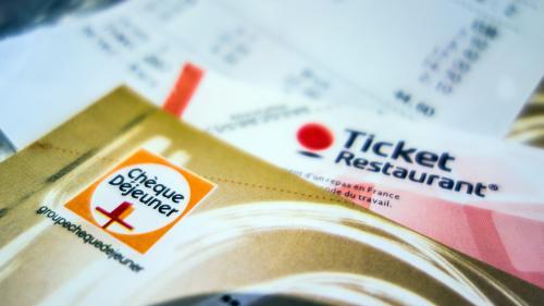 Un salarié épinglé pour avoir utilisé ses tickets restaurant le week-end (alors que c'est interdit)