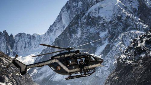 Haute-Savoie : deux promeneurs en raquettes emportés par une avalanche à Samoëns