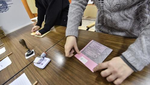 Législatives en Italie : les résultats définitifs attendus lundi matin, revivez la journée électorale