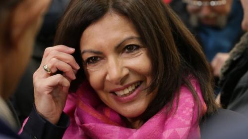 """Paris : Anne Hidalgo annonce sa """"candidature de coalition"""" pour les prochaines municipales"""