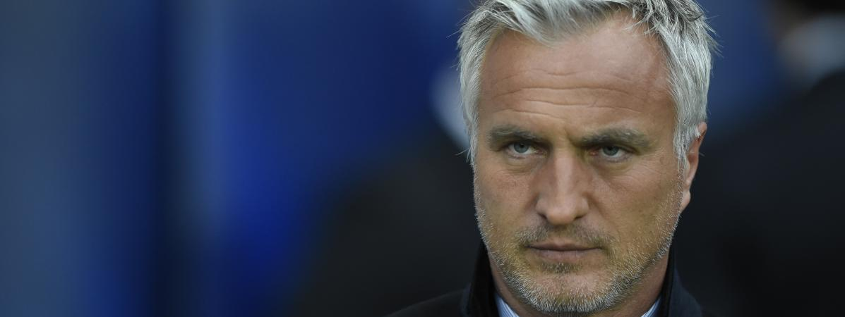 L\'ancien footballeur David Ginola au Parc des Princes à Paris, le 2 avril 2014.