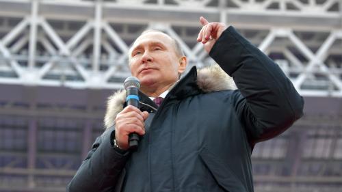 VIDEO. Russie : hologramme géant, meeting express... La drôle de campagne présidentielle de Vladimir Poutine
