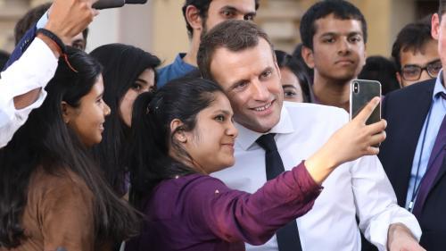 """VIDEO. """"Soyez vous-même !"""": la leçon de vie d'Emmanuel Macron à de jeunes Indiens"""