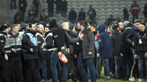 Supporters en colère, joueurs menacés... Rien ne va plus au Losc après que la foule a envahi le terrain samedi soir