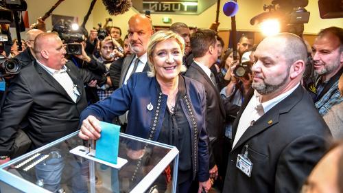 DIRECT. Congrès du FN : les nouveaux statuts adoptés par les militants, Jean-Marie Le Pen déchu de sa présidence d'honneur