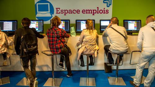 Indre-et-Loire: des chômeurs victimes d'une arnaque à la fausse offre d'emploi
