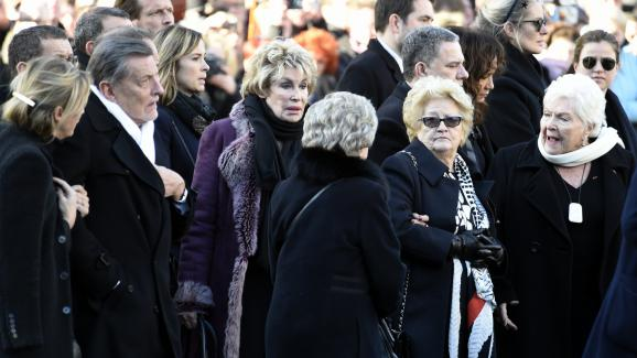 Jean-Claude Camus, former producer of Johnny Hallyday, Françoise Thibaud, mother of Laeticia, Elyette Boudou, grandmother of Laeticia, and Line Renaud, on the forecourt of La Madeleine, in Paris.