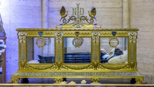VIDEO. Les villes de Nevers et Lourdes se disputent les reliques de Bernadette Soubirous