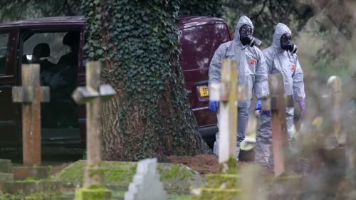 """La Russie clame son """"innocence"""" dans l'enquête sur l'empoisonnement d'un ex-agent double au Royaume-Uni"""