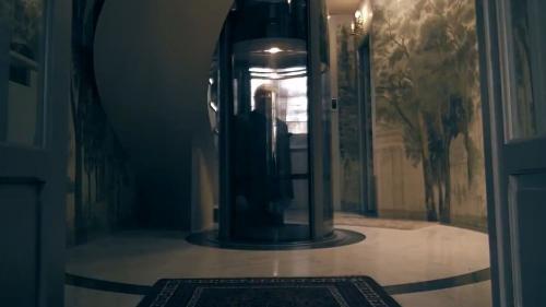 VIDEO. Jean-Marie Le Pen joue les Dark Vador pour faire la promotion de son livre