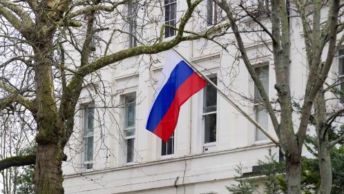 """DIRECT. Ex-espion empoisonné : le Royaume-Uni """"a fait le choix de la confrontation"""", dénonce la Russie"""