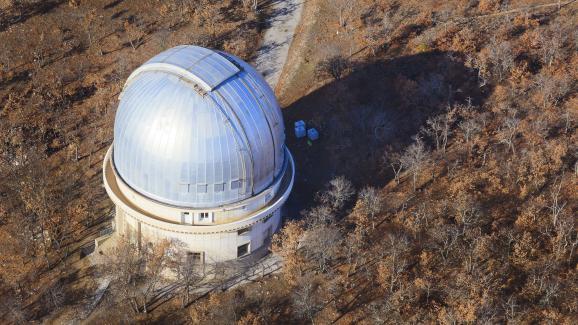 L\'observatoire de Haute-Provence qui abrite un télescope de 193 cm, à Saint-Michel-L\'Observatoire, dans le parc naturel du Luberon, le 3 mars 2013.