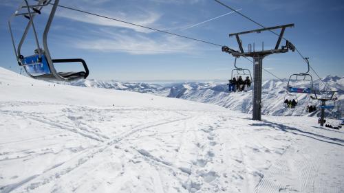 nouvel ordre mondial | VIDEO. Géorgie, un télésiège s'emballe, plusieurs skieurs éjectés