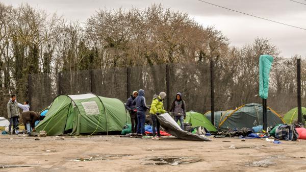 Un migrant mortellement poignardé à Calais