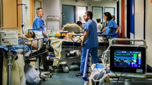 """TRIBUNE. """"L'hôpital entier est malade"""" : le cri d'alarme des médecins urgentistes"""